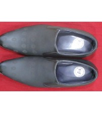 Oora Black With Fine Lining Design Slip on Formal Shoes For Men